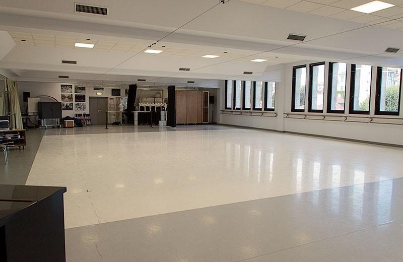 gare-du-midi-grand-studio